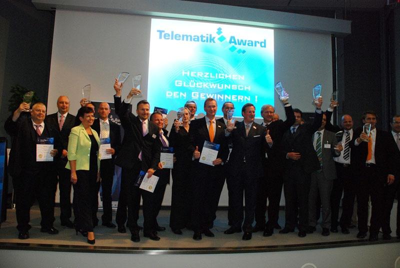 Telematik-Award-Gruppenfoto-Buehne.jpg
